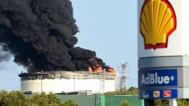 Le site pétrochimique de Berre l'Etang, classé Seveso et touché par des explosions criminelles