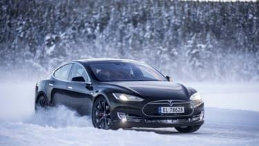 La Norvège est le premier marché de la Tesla Model S en Europe, grâce à une politique à la fois incitative sur l'achat de voitures électriques et très sévères sur les autorisations de rouler en centre-ville avec des modèles trop polluants.