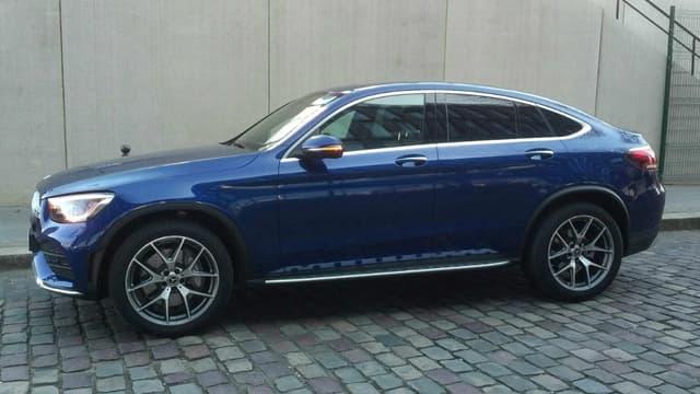 Mercedes vient de restyler le GLC Coupé, la déclinaison coupé de son SUV de taille moyenne.