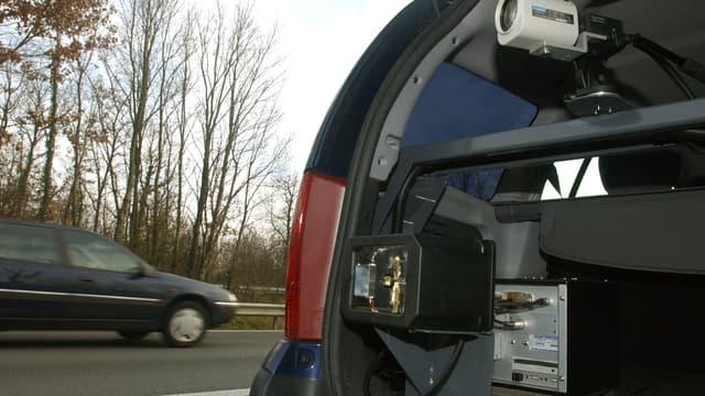 Redoutablement efficaces, les radars mobiles embarqués sont peu utilisés aujourd'hui, faute de moyens humains.