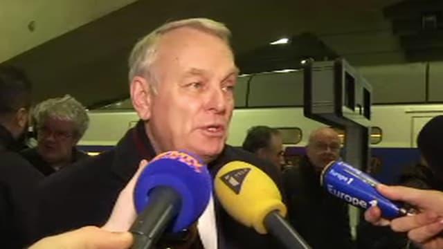 Jean-Marc Ayrault en gare Montparnasse le jeudi 10 février 2016