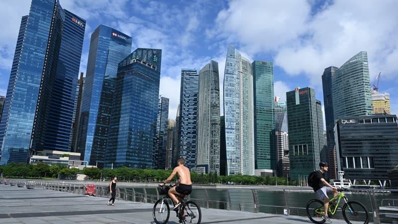 Traçage numérique: Singapour distribue des boîtiers connectés aux personnes âgées