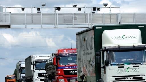 Un portique coûte entre 600.000 et 1 million d'euros, son démontage 130.000 euros.