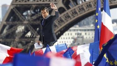 François Fillon lors du meeting de Nicolas Sarkozy au Trocadéro le 1er mai. François Fillon est jugé le plus apte à prendre la direction de l'UMP, devant le ministre des Affaires étrangères Alain Juppé et l'actuel secrétaire général du parti Jean-François