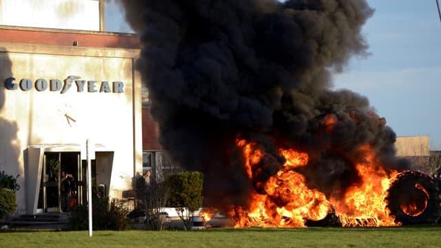 La CGT veut relancer  la production de pneus agricoles sur le site d'Amiens-Nord.