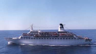"""Le """"MS Pacific"""" a été rebaptisé """"Pacific Princess"""" pour les besoins de la série """"La Croisière s'amuse"""""""