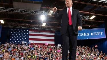 """Pour ses campagnes électorales, Donald Trump aurait fait produire ses drapeaux """"Make america great again"""" par une entreprise chinoise"""
