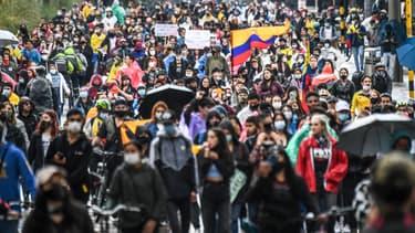 Manifestants dans les rues de Bogota le 5 mai 2021