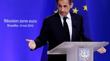 Nicolas Sarkozy a retrouvé dans la nuit de vendredi à samedi les accents qui avaient contribué au succès de la présidence française de l'Union européenne en 2008, dans la dénonciation des spéculateurs et la défense d'une gouvernance économique européenne.