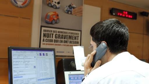 La salle d'information et de commandement Police Secours le 17 février 2010 à Paris