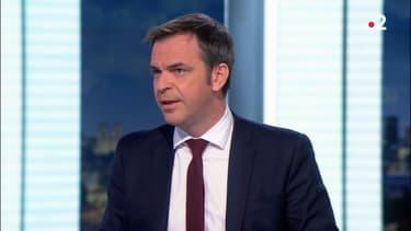 Le ministre de la Santé Olivier Véran, sur France lundi 1er mars 2021