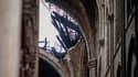 Vue sur la charpente détruite de la nef de Notre-Dame.