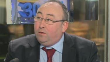 Emmanuel Lechypre, éditorialiste à BFM Business, explique le fort taux de chômage en France