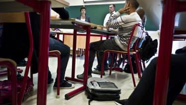Le rapport propose une refonte des programmes scolaires et la fin de l'interdiction du voile à l'école.
