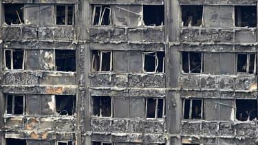 Vestiges de la Grenfell Tower à Londres après l'incendie meurtrier du 14 juin 2017