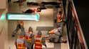 Dans le métro de Lyon, mercredi, lors d'une simulation d'attentat au gaz sarin. La troisième ville de France a été mercredi le théâtre d'exercices de simulation d'attentats inédits par leur ampleur qui s'achèveront jeudi par une prise d'otages. Ces exerci