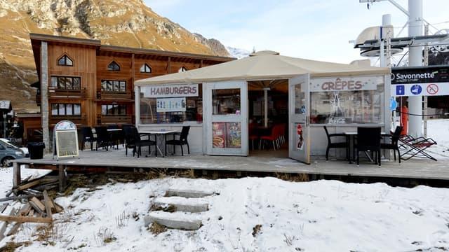"""L'ancien patron de l'Oréal et des propriétaires se sont ligués contre la """"Cabane"""" située aux pieds des pistes de Val-d'Isère"""