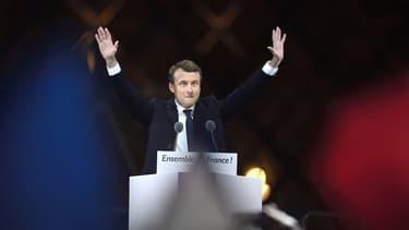 L'enjeu pour Emmanuel Macron est de moderniser la vie publique sans exclure personne. Pour cela, il faut que toute la population dispose d'un accès à Internet.