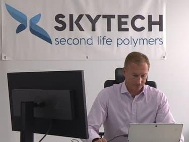 Skytech recycle les déchets en France et exporte ensuite sa résine dans le monde entier