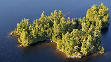 Envie de prendre le large? Au Québec, il est possible de s'offrir une île entière et son habitation pour moins de 140.000 euros.