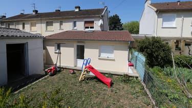 Une femme est actuellement en garde à vue dans le cadre de l'enquête sur l'attentat déjoué. Son domicile de Saint-Dizier, visible sur la photo, a été perquisitionné.