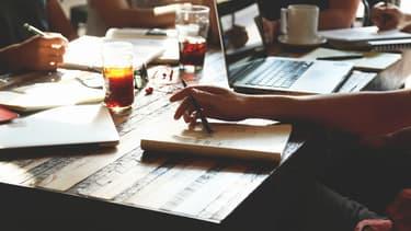 Mieux vaut ne pas faire durer une réunion plus d'une heure, au delà l'attention des participants décline.