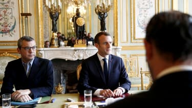 Emmanuel Macron, lors de la réunion de crise à l'Elysée, le dimanche 2 décembre.