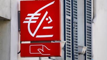 Un ex-trader de la Caisse d'Epargne devra rembourser 315 millions d'euros à la banque après des opérations bacaires frauduleuses.