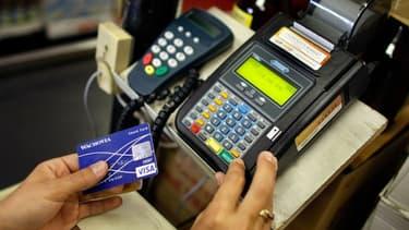 Il est souvent plus judicieux d'éviter de payer avec sa carte bancaire en dehors de la zone euro pour éviter les frais bancaires.