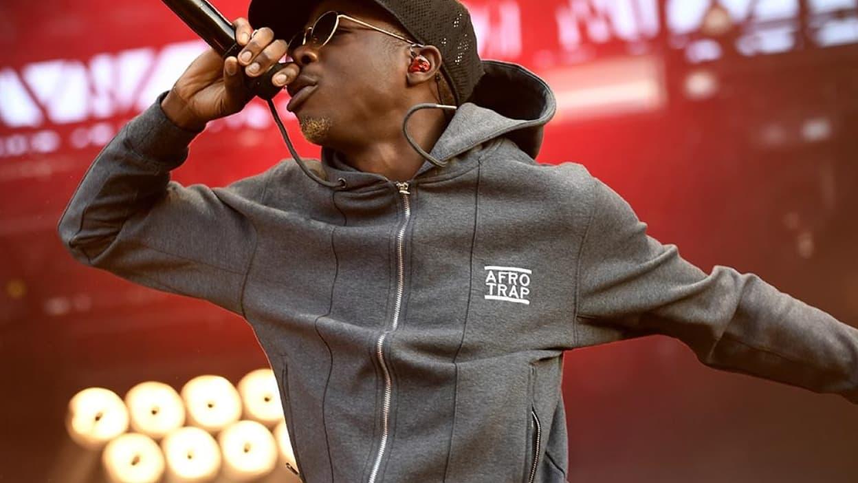 Rixe mortelle à Paris en 2018 : le rappeur MHD remis en liberté sous contrôle judiciaire