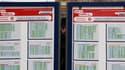La grève contre la réforme des retraites était suivie à la SNCF lundi par 12,6% de l'ensemble des personnels (contre 15,5% vendredi), selon la direction qui prévoit un trafic d'environ un train sur deux pour la journée de mardi. La fédération CGT des chem