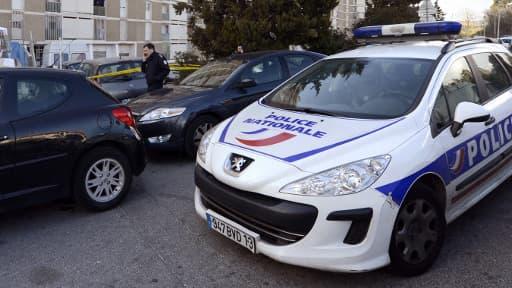 Arrestation lundi dans l'Essonne d'un homme qui volait l'identité de chômeurs pour les vendre à prix d'or à des sans-papiers.