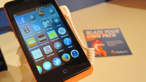 Le smartphone ZTE Open, commercialisé par le chinois ZTE, est l'un des rares mobiles à fonctionner sous Firefox OS.