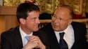 Le ministre de l'Intérieur Manuel Valls (g.) et le recteur de la Grande Mosquée de Paris, Dalil Boubakeur, mercredi.