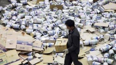 La filiale chinoise de Danone achetait un des ingrédients de son lait infantile au Néozélandais Fronterra dont certains lots serait porteurs de la toxine botulique.