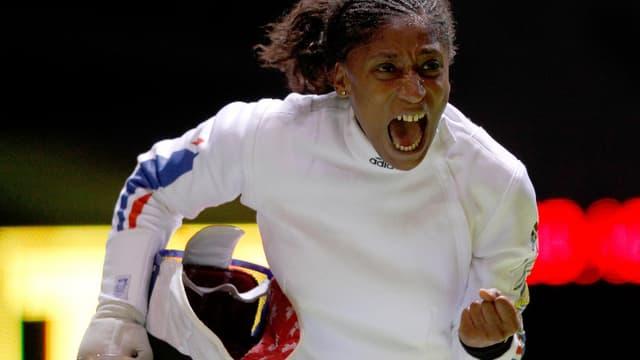Maureen Nisima qui triomphe au grand palais pour son premier titre de championne du monde.