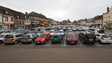 Dans les centres-villes, trouver une place de stationnement relève souvent du casse-tête. Plusieurs applications pour smartphones y remédient.