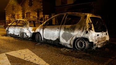 Des véhicules incendiés à Beaumont-sur-Oise, le 24 novembre.