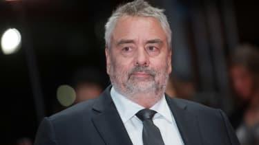 Le réalisateur Luc Besson pose le 17 février 2018 à Berlin