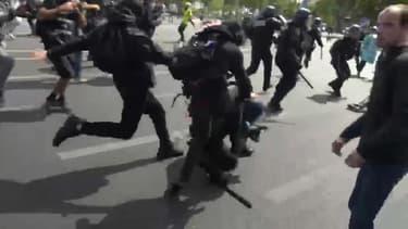 Un gendarme a été agressé mardi en marge d'une manifestation le 14 juillet à Paris.