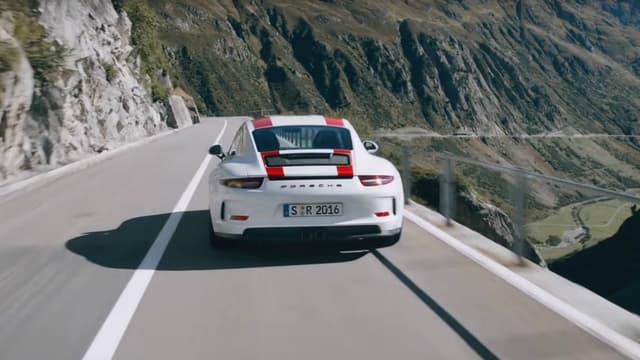 La star du stand Porsce cette année à Genève, est sans aucun doute cette 911 R, qui saura contenter les chanceux qui en feront l'acquisition.