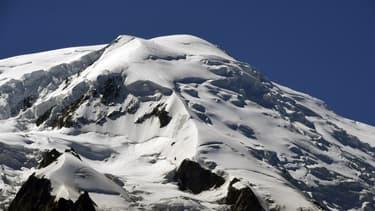 Le Mont-Blanc, haut de 4810 mètres, dans les Alpes françaises