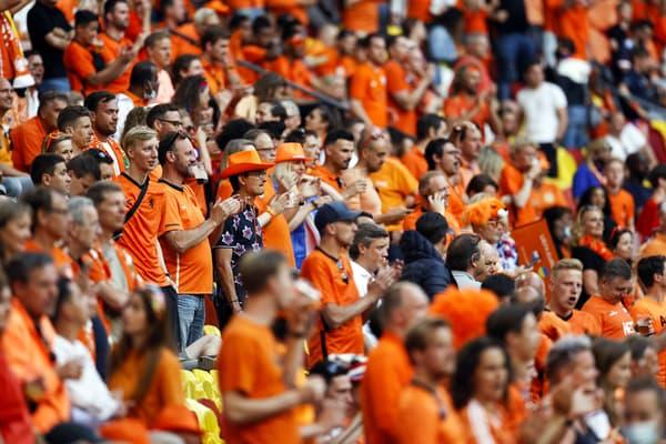 Des supporters des Pays-Bas contre l'Ukraine, dimanche