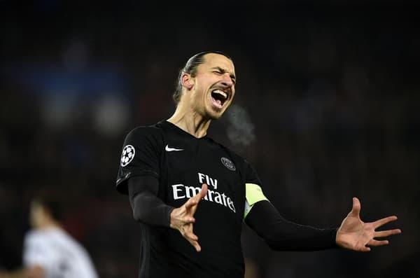 Zlatan Ibrahimovic ne cache pas sa frustration après une action ratée avec le PSG en décembre 2015