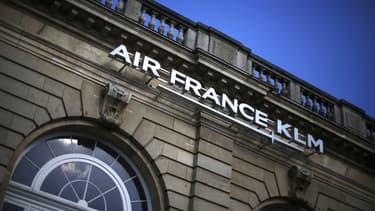 """Un rapport souligne un """"écart de compétitivité"""" entre Air France et deux autres compagnies"""