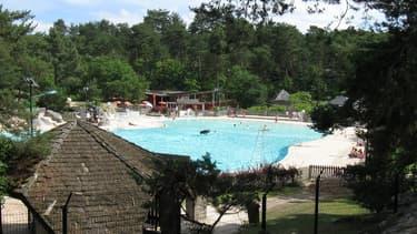 Une fillette de 9 ans a été retrouvée inconsciente dans la piscine de la base de loisirs Buthiers le 19 juillet 2018 (photo d'illustration)