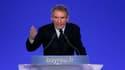 """François Bayrou a appelé samedi les humanistes à se dresser contre le projet de référendums sur les chômeurs et les immigrés de Nicolas Sarkozy, qu'il accuse de viser le """"grand grenier à voix"""" de l'extrême droite. /Photo prise le 11 février 2012/REUTERS/G"""