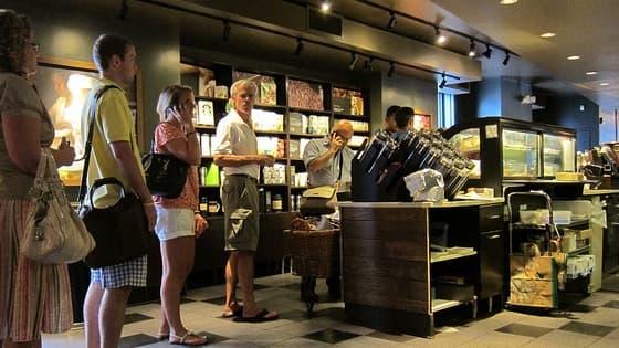 La chaîne de cafés Starbucks prend part au débat sur le mur budgétaire américain.