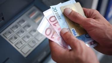 Une étude qui doit être publiée mardi révèle que 800.000 ménages ont été victimes d'escroqueries.