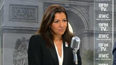 """La maire de Paris Anne Hidalgo, invitée de Jean-Jacques Bourdin sur BFMTV et RMC ce jeudi, a estimé que la loi Travail """"est déséquilibrée"""". """"Il y a trop de flexibilité et pas assez de sécurité"""", a-t-elle lancé. Anne Hidalgo est notamment inquiétée"""